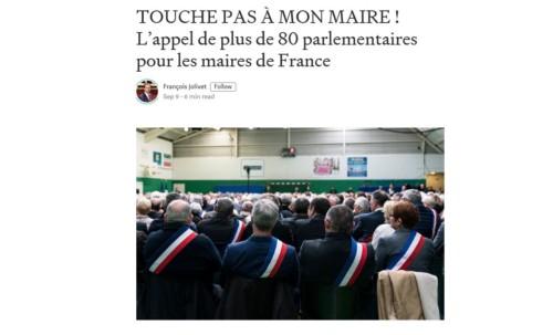 """Signature de la tribune """"Touche pas à mon Maire"""""""