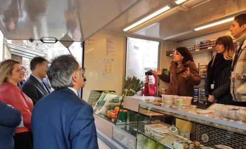 Inauguration de l'épicerie solidaire mobile d'Amiens
